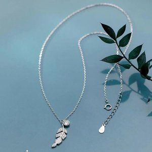 *NEW 925 Sterling Silver Diamond Leaf Necklace